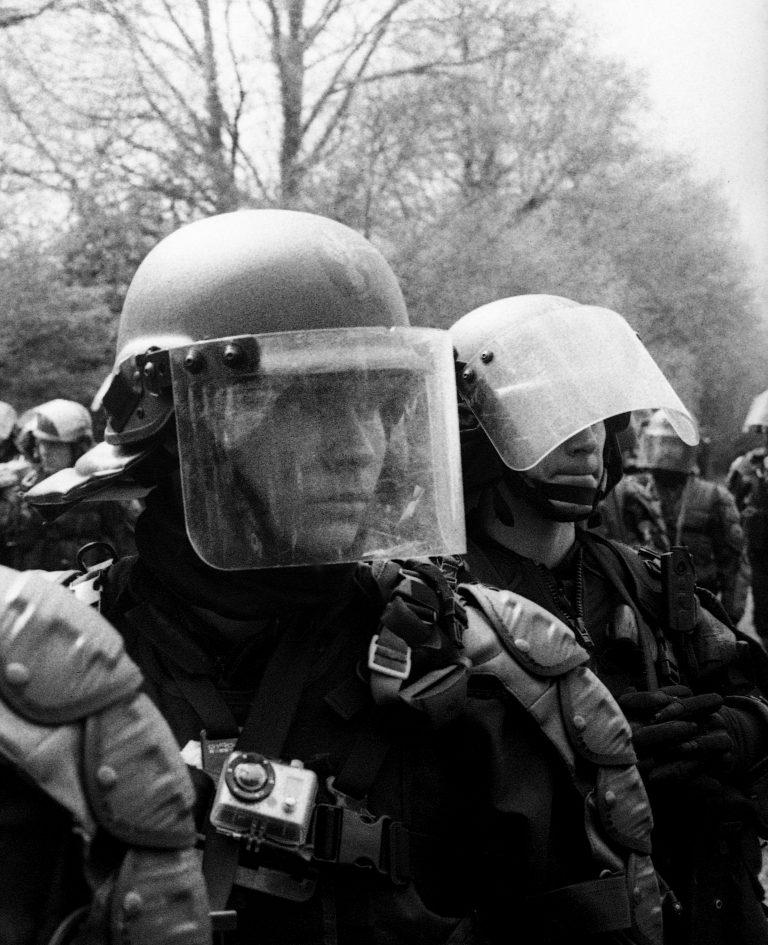 La police a un métier, ça crève les yeux